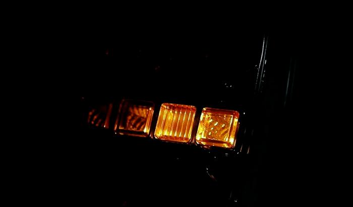 Kwadratowa lampa zespolona tylna LED 12-24V z dynamicznym kierunkowskazem